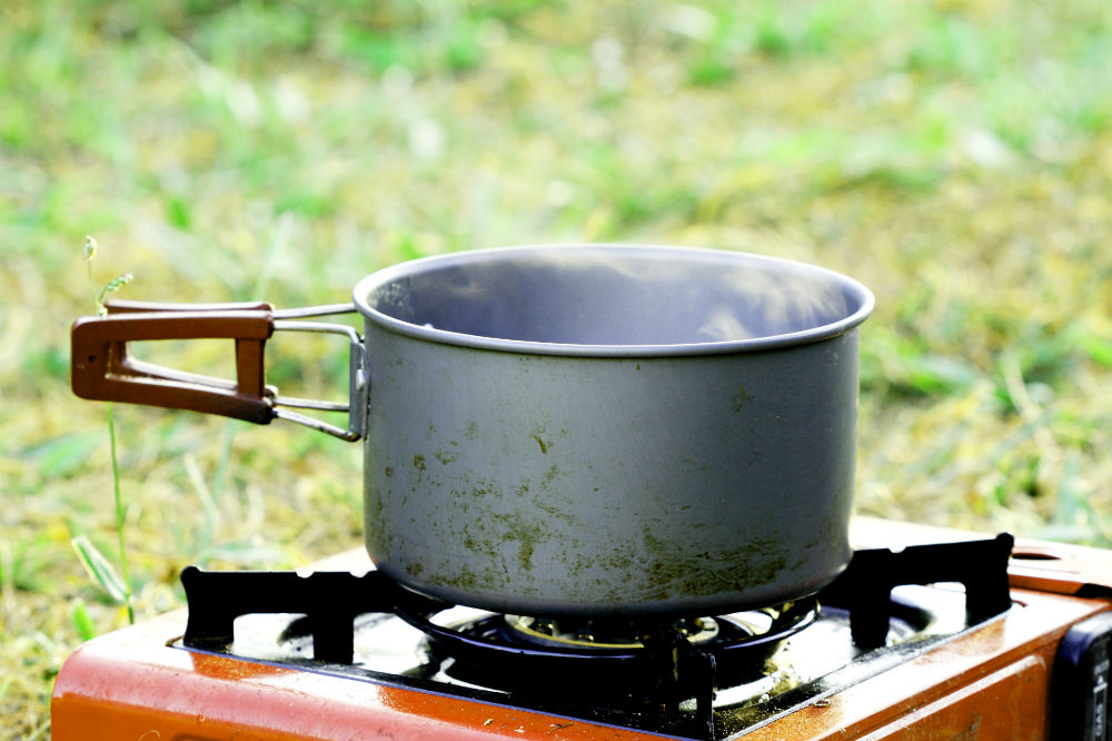how to clean a camp stove 1