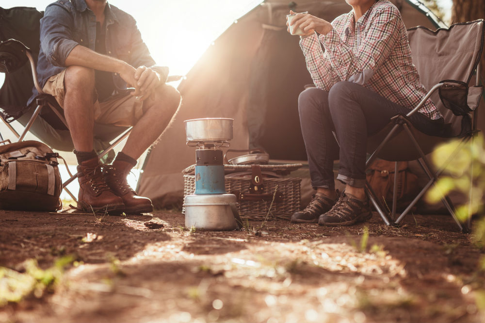 how to clean a camp stove