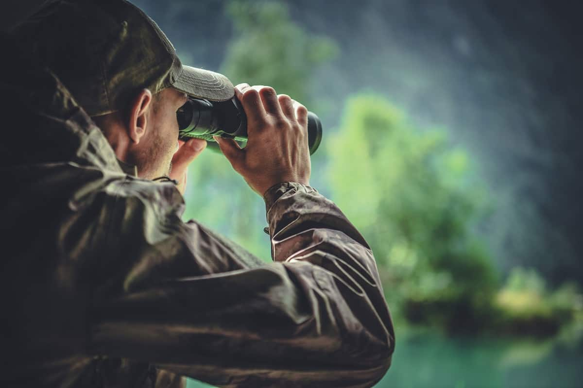 Best-Binoculars-for-Hunting-trackandpursue.com_