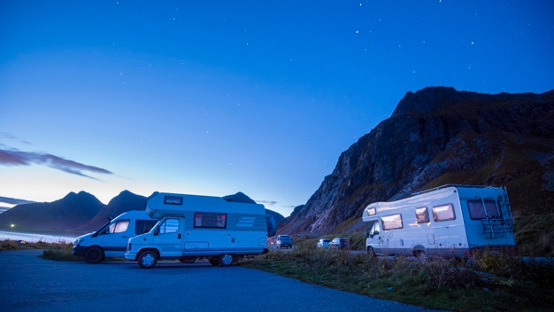 holiday-trip-motorhome-camping-car-vacation-beautiful-nature-norway-natural-landscape_33799-5445